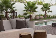 Zahrady a bazény