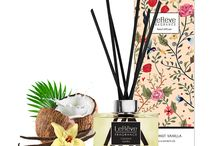 Coconut Vanilla Reed Diffuser / Le Rêve Reed Diffusers feature premium quality perfume blended in a non-alcoholic solution for effective home fragrancing. We use natural rattan reeds that are tinted black with non-toxic colour dye for presentation. Presented in elegant packaging, with a stunning carton for each individual fragrance, they are the perfect way to freshen and brighten rooms where an open flame isn't convenient.