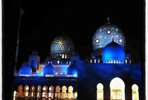 Come visit Abu Dhabi / Visit Abu Dhabi for some exotic locations.