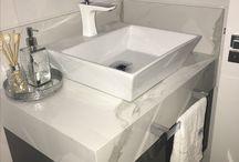 Misturadores e torneiras para banheiros e lavabos