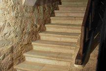 Escalier Abbaye en pierre reconstituée, réplique ancienne / Marche escalier  en pierre reconstituée, réplique ancienne, style rustique, modèle Abbaye.
