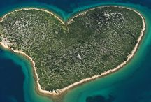 "Galesnjak - Island of Love / Due to its unique shape, this heart-shaped islet in the northern part of the Pašman Channel is called the ""Island of Love"". It is mainly visited by ""lovebirds"" and those who say their fateful ""I do"" and then metaphorically sail off into the sunset."