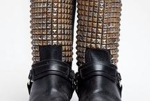 Shoes ♥ / by Josefina Bull Figueroa