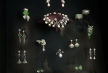 Lighting Gems using Fibre Optics / Beautiful gems and jewellery that sparkle all the more as a result of Absolute Action's fibre optic lighting systems.
