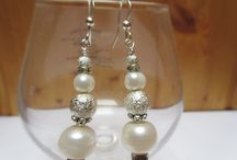 Mistery of wedding / earrings, bracelets and a necklace made from natural pearls