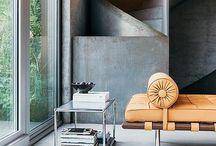 Zuhause wohnen mit USM Möbelbausystem / Modernes Wohnen mit System.  USM Möbel bringen den Systemgedanken und eine moderne Formensprache in Ihren Wohnbereich. Flexibilität und Liebe zum Detail die begeistert.