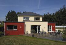 Maison Trecobat moderne / Voici une réalisation moderne des équipes de Trecobat, une belle maison individuelle aux couleurs vives et rayonnantes.