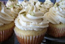 cupcakes / by Rosina Fortier
