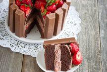 Tartas / Una tarta es un tipo de alimento generalmente dulce y que es a menudo cocido al horno y después rellenado con capas de algún tipo de dulce cremoso o untuoso.