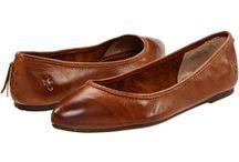 Shoes / by Liz Reyna Vidales