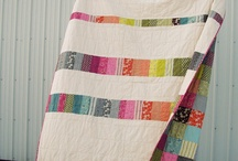 Quilt Backs and Borders / I've seen some pretty cool quilt borders around that I'd like to try over time. I also want the back of my quilts to be stunning in their own right. Otherwise it's a bit like fur coat, no knickers!
