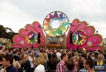 Hattie & Flora Love Festivals