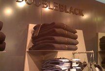 Fracomina - Doubleblack / La nostra collaborazione con Fracomina e Doubleblack, per i quali abbiamo sviluppato il concept e curato l'allestimento di corner store all'interno dei punti vendita propri e di centri commerciali Coin.