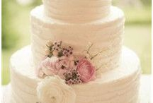 wedding cakes / by Diana Virgie