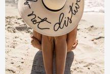 Chapeaux d'été : nos modèles canons repérés sur Pinterest / Pour se protéger du soleil ou juste pour le style, on craque pour ces accessoires de l'été à arborer sans modération. Zoom sur les plus beaux looks.