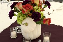 Thanksgiving Decorating and Gift Giving / Thanksgiving is the time to change our decor to reflect the season, and to make our homes beautiful for all our dinner guests.  Inspiration for yourself or for sending to someone else.