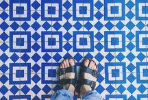 """Bleu sur bleu / """"...Tout se voit en bleu quand on porte des lunettes bleues..."""" ( Gustave Flaubert )"""