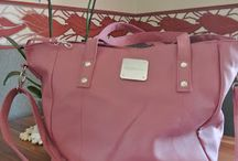 Yourfone.de Shopper Bag gewinnen / http://www.sannes-testblog.de/2013/08/prall-gefullte-shopper-bag-gewinnen.html  Yourfone ist die weltentspannteste Allnet-Flat, und sie möchten der gestressten Frau von Heute mit dieser Tasche etwas Entspannung in den stressigen mobilen Alltag geben. Mit dieser Tasche bist du rundum entspannt, denn du hast alle wichtigen Utensilien mit dabei - und das in deiner neuen Lieblings-Handtasche :-)  Eine bunte Palette an Produkten für Schönheit und Wohlgefühl versteckt sich in der exklusiven Tasche.