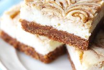 Cinnamon cheesecake roll squares