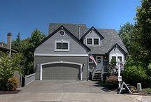 Oregon Houses  / by Katie Nyulassy