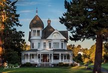 Victorian Homes / by Kris Gold