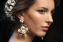 Earrings / The beauty of accessories