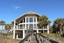 Beachfront Vacation Homes / Learn more about our wide selection of vacation homes:  From 1 - 8 bedrooms located right on the beach, overlooking the Apalachicola Bay and everywhere in between!