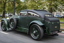 Old Cars / Coches antiguos y clásicos