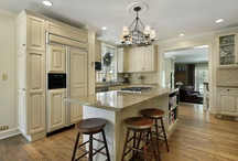 Kitchen Design / Kitchen remodeling, design and renovating ideas to love!