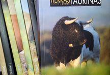 Colección de libro-revistas Tierras Taurinas / Las portadas de estos preciosos libro revistas, arte taurino a través de sus páginas ¡¡nos encanta!!