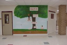 Middle School Hallway Murals / Hallway murals at a Florida Middle School. Te focus is on the Avid program, WICOR methods, and 7 Habits of Learning Program