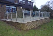 Semi-framed glass balustrade (post only)