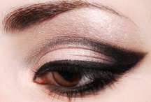 Classic Eye / #molmakeuplesson this is a eye technique with one main colour all over the eye that then has outer corner definition in a darker colour.