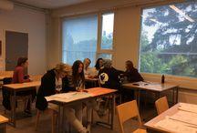 Ryhmäytymistä ja opintopolkuihin tutustumista luokassa 18.9. / Ensimmäisen vuoden opiskelijat tutustuvat toisiinsa ja tuleviin valintoihin ja opintopolkuihin