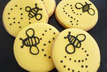 Bees / by Suzanne Sparks (Munchkin Munchies)