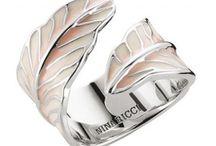 """Bijoux Nina Ricci """"Plume Féérique"""" / Bijoux Nina Ricci """"Plume Féérique"""" : des bijoux en argent rhodié ou plaqué or de la célèbre marque haute couture. http://www.bijouterie-influences.com/search.php?search_query=plume+f%C3%A9%C3%A9rique+nina+ricci"""