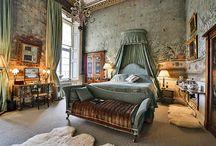 England. Bedroom. Mansion/castle