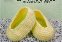 ZAPATOS PARA BEBÉ A CROCHET / Patrones gratuitos de suelas y distintos modelos de zapatitos para bebés de 0 a 18 meses. 100% en español.