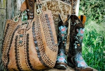 For the LOVE of purses!! / by Jill Glenny