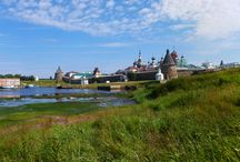 Соловецкие острова / Безумно красивая северная природа и разрывающая душу на части история Российского государства. Та что без туристской заманухи. Та что содрогает и парализует сознание.