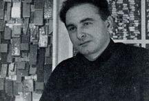 Radoslav Kratina / Radoslav Kratina  byl český sochař, grafik, průmyslový návrhář, fotograf, malíř a kurátor.