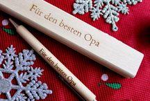 Weihnachtsgeschenke für Opa / Dieses Jahr kriegt Opa mal ein ganz besonderes Weihnachtsgeschenk!