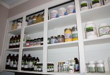 welcome to the huna lab! / huna Natural Apothecary - a small-scale 100%-natural skincare lab based in Winnipeg, Canada.