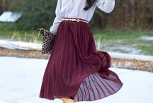 DER MIDI ROCK / Best fashion ideas, outfits because I love the midi skirt. Die schönsten Outfits und Style Ideen für den Midi Rock.