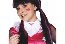 Déguisements et costumes pour enfants de 1 à 12 ans / Déguisements pour filles et garçons à l'effigie des héros préférés des enfants : Tortues Ninja, Princesses Disney, Power Rangers, Mario Bros, Jake le pirate, Minnie