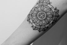 Din Dot Tattoo / Dotwork & Mandalas. Berlin·Spain