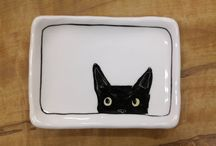 Cats -> Dish || Plate