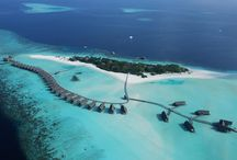 Cocoa Island Resort by COMO / Cocoa Island by COMO is an intimate private Maldives island resort with 33 overwater suites allowing you to slip right into the turquoise lagoon to explore an exceptional house reef. Encircled with powder white sand, the carefree, understated luxury experience includes holistic wellness treatments at COMO Shambhala Retreat,