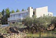 Kroatien - Luxusvilla mit Meerblick - Brac / Repräsentative Villa für Urlaub oder ganzjährigen Aufenthalt.  Das großzügige Raumangebot, die moderne Ausstattung und die Top- Bauqualität sprechen für sich.