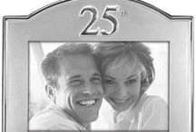 25th Anniversary Gift Ideas / Lots of 25th wedding anniversary gifts for your husband, wife or parents. Traditional and modern gifts are silver which is a great gift for him and for her.  Plus we also have great 25th anniversary party ideas and free printables to get organized.
